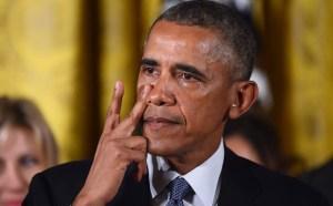 Barack-Obama-gets-_3541878k