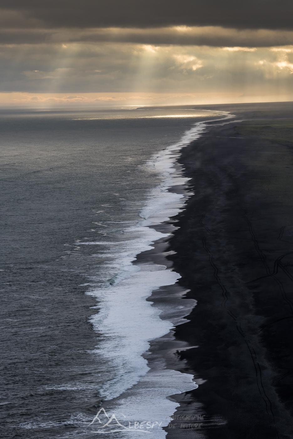 Plage de sable noir (Reynisfjara) n°0810