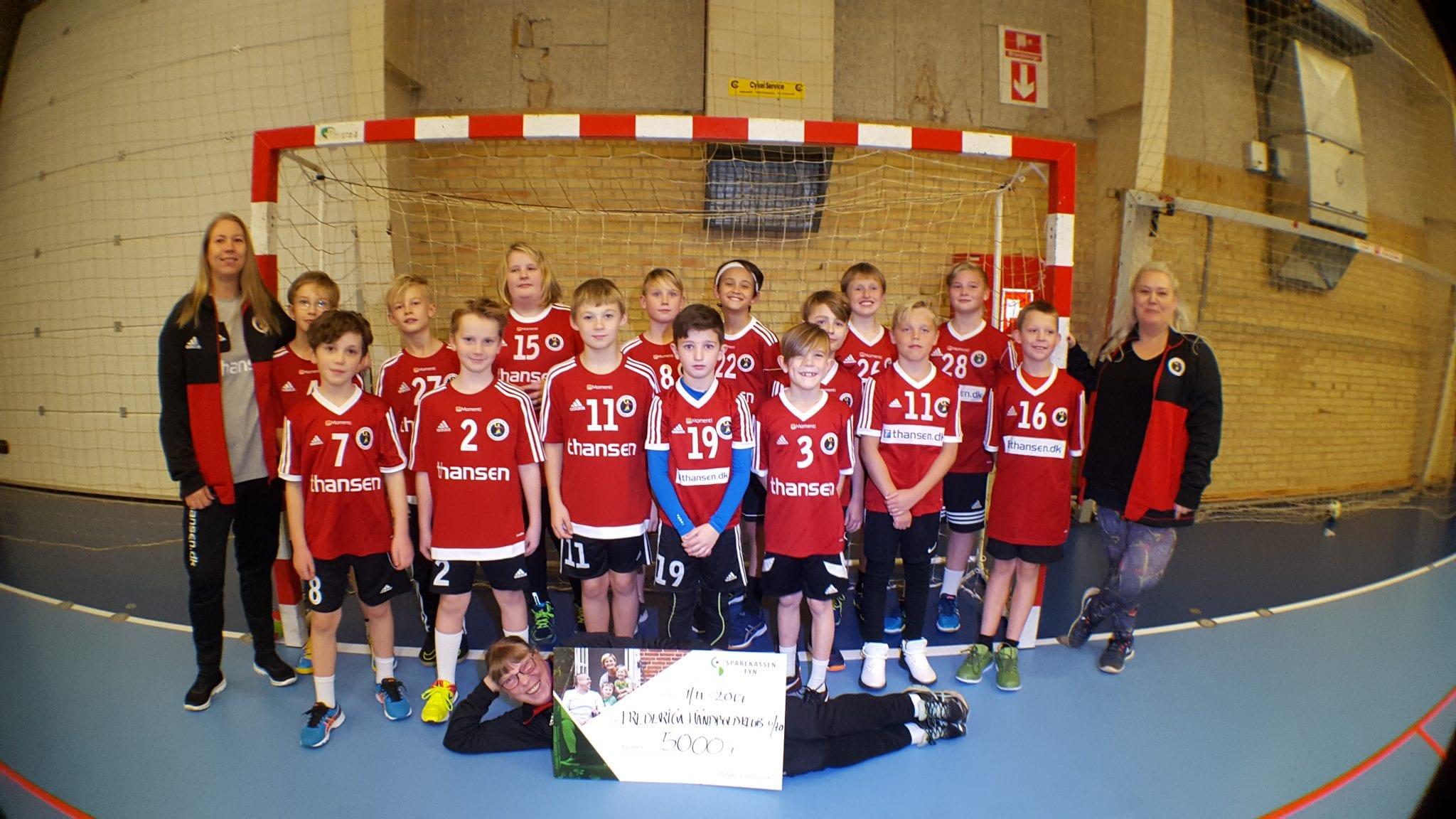 53471184930 Fredericia HKs U10-drenge blev belønnet med 5000 kr.   Fredericia ...
