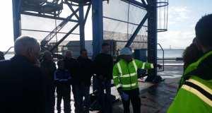 Kranfører Lars Hansen fortalte om havnens kran