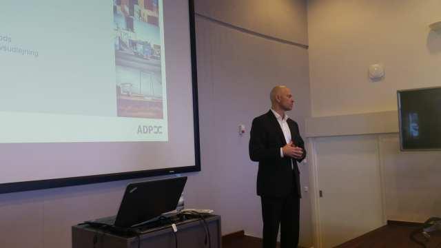 Adm. direktør for ADP, Nils Skeby fortalte om havnens forreningsområder