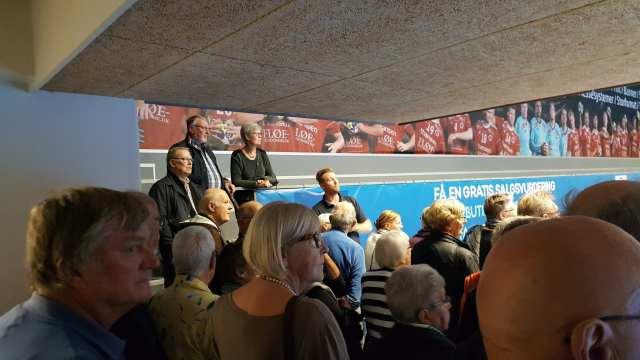 Salgs- og marketingskoordinator Rasmus Kurtzmann fra FIC fortalte engageret og detaljeret om den nye thansen.dk Arena (Foto: Claes Andersen)