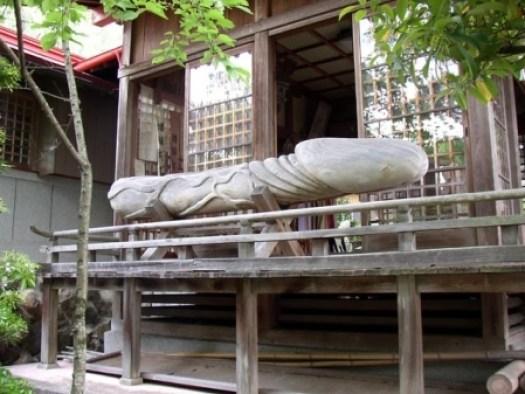 04-giant-ceremonial-wooden-phallus.jpg