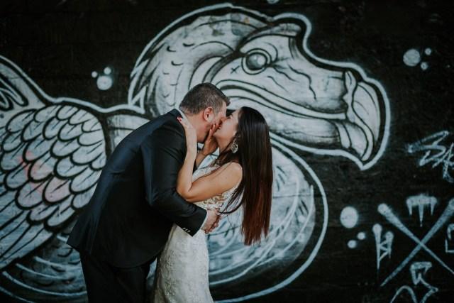 couple mariage mur graffiti art ubrain graph