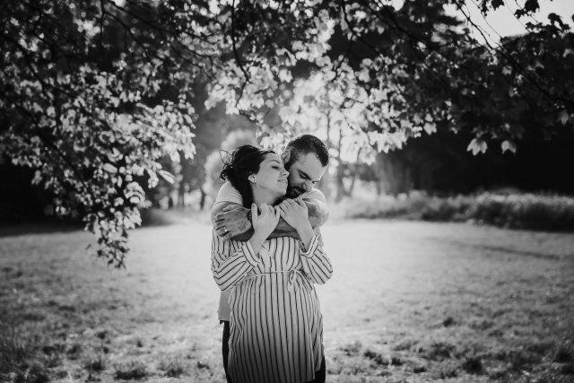 seance photo couple grossesse bois de vincennes