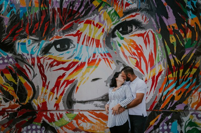 seance photo couple grossesse original street art