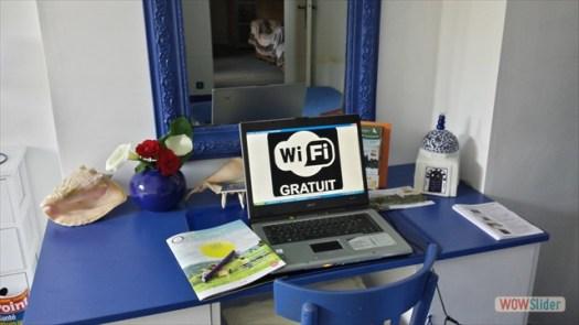 Bureau avec accès WiFi