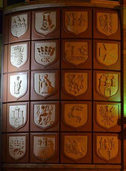 Polish Crests, 2012, photo by Fred Hatt