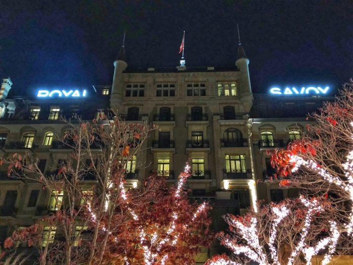 Le Chalet du Royal - Facade de l'hôtel depuis les jardins intérieurs - Hôtel Royal Savoy Lausanne