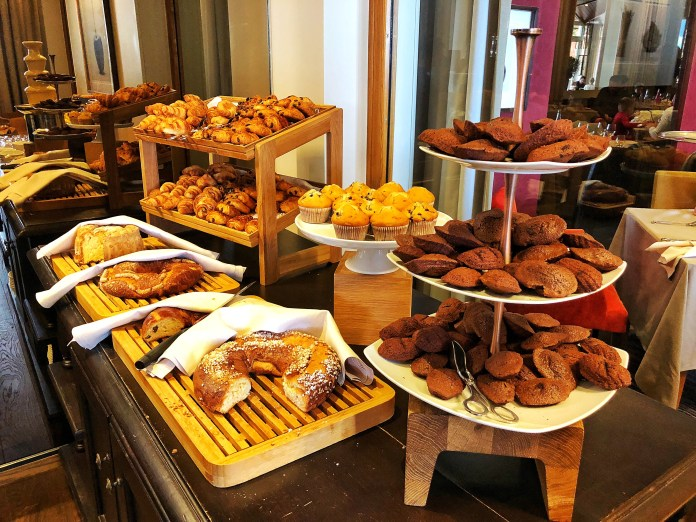Brunch à l'hôtel Ermitage : Viennoiseries