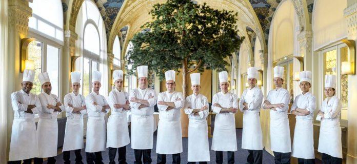 Restaurant Les Fresques - La brigade du chef Patrice Vander - Crédit Evian Resort