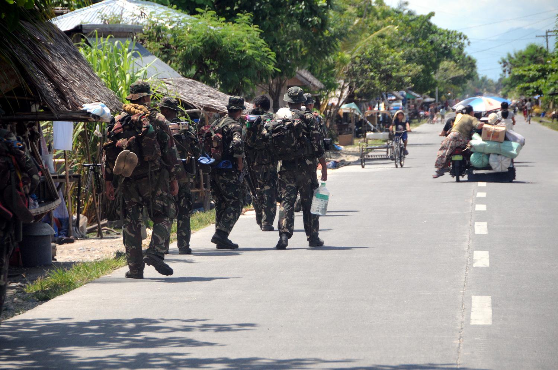 fleeing sweeping-operations mindanao 2009