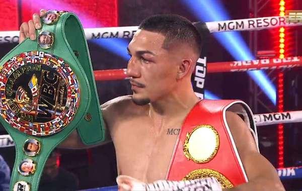 Teofimo Lopez Jr. Courtesy of Top Rank Boxing.