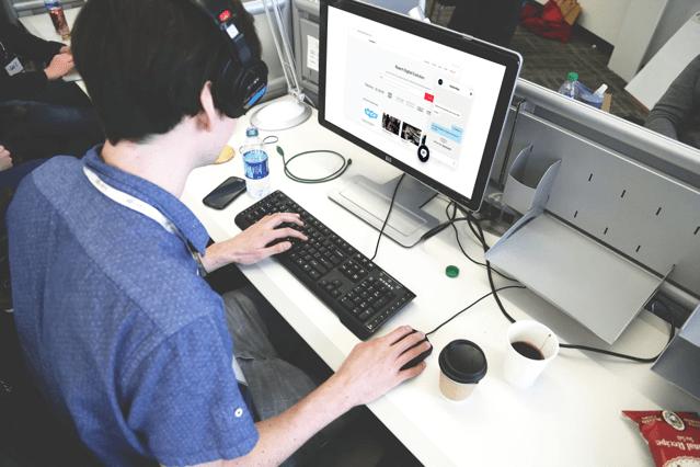 Web Control 在網頁嵌入 Skype 免費即時交談工具,兩行程式碼輕鬆完成