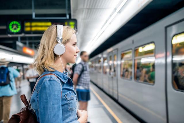 Listen Later 線上將 YouTube 轉為 Mp3 播客訂閱方便通勤或運動收聽