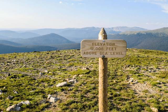 National Park 美國國家公園路牌字型,四種字重樣式 .otf 格式免費下載