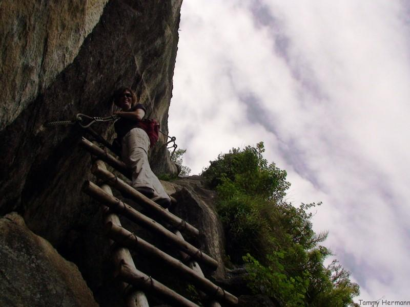 Cliff ladder on Temple of the Moon Trail - Huayna Picchu