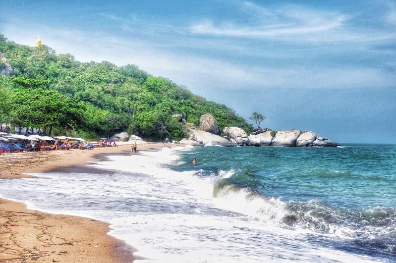 Sai Noi Beach 2