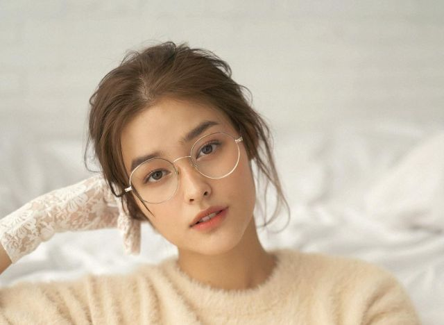 """Liza Soberano grills the gov't: """"where is the support for the poor?"""""""