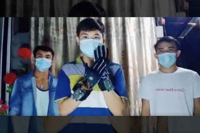 FreebieMNL - Filipino Students Develop Gloves That Translate Sign Language Into Speech