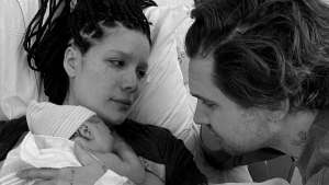 FreebieMNL - Halsey Gives Birth to Her First Child