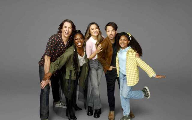 FreebieMNL - 'iCarly' Reboot Will Return For A Second Season - iCarly