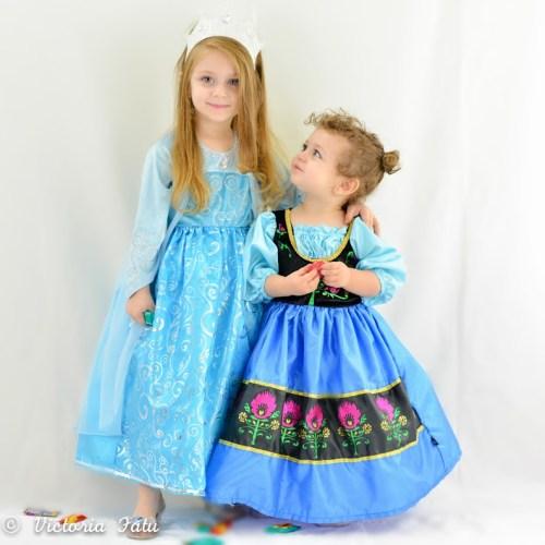 Frozen Queen Elsa and Anna Dress Up