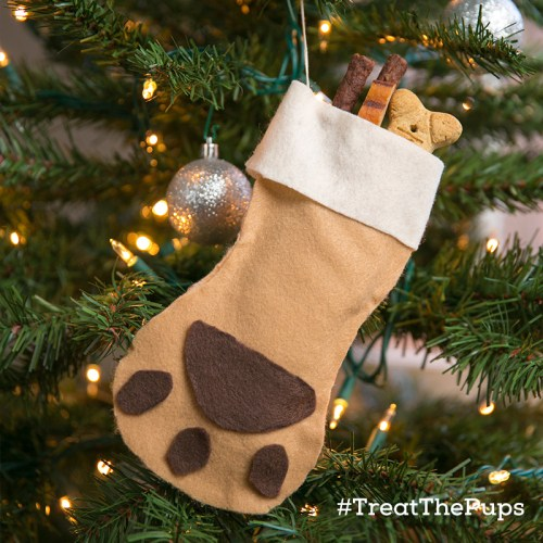 DIY Holiday Dog Gifts ~ #TreatThePups Giveaway (300 winners)