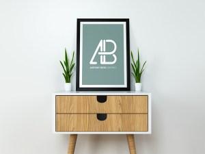Free Modern Poster Mockup