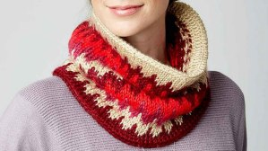 Woman wearing a neck knit accessory