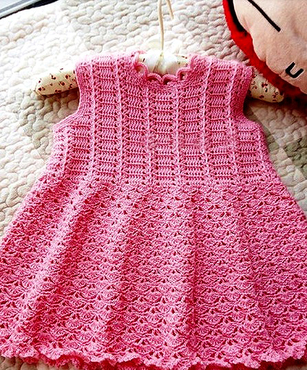 Make a lovely baby dress crochet with this free pattern