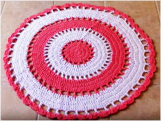 Rugs: see the tutorial and make a beautiful Area Rug to decorate