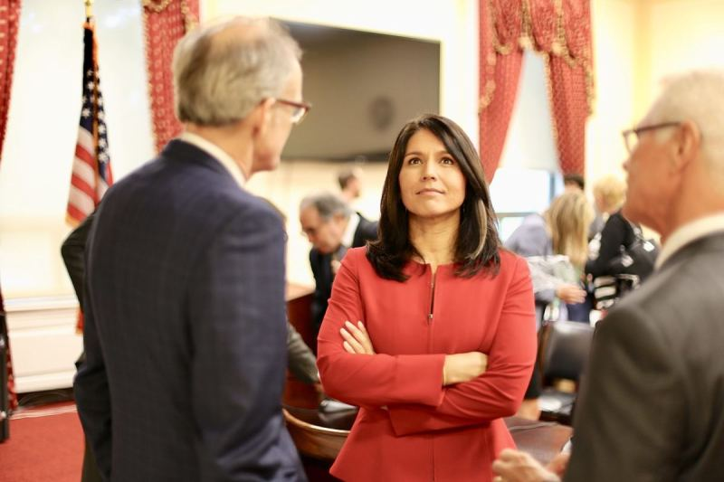 Tulsi Gabbard Makes a Smart Move To Separate Herself From Rest of Democratic Candidates