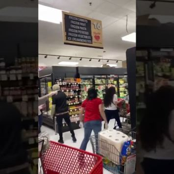 Angry Mob Chases Woman Out of NY Grocery Store for Not Wearing Mask (VIDEO)