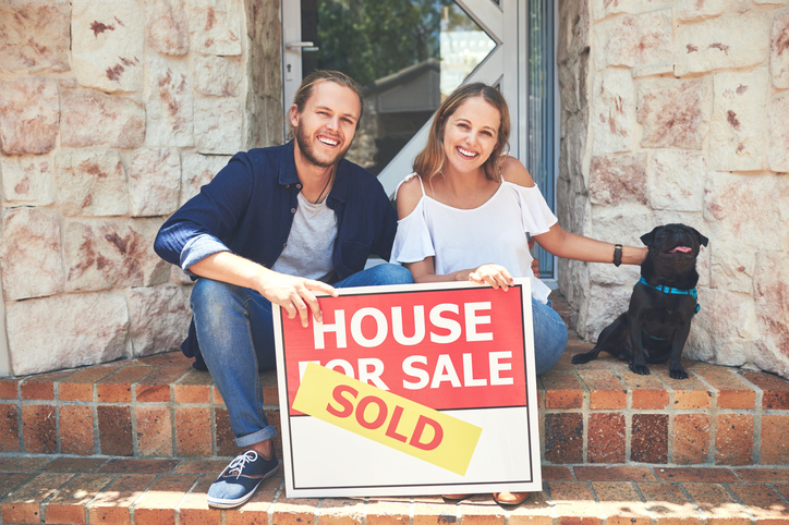 Pros and Cons To Sell Your House By Owner in Chandler