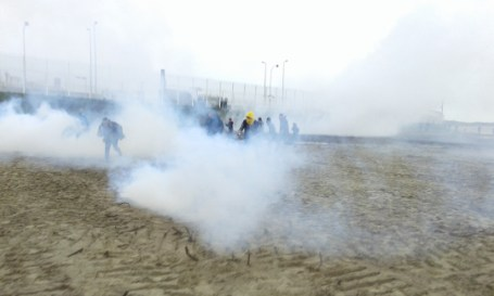 Tear-gas attack by riot cops in Calais