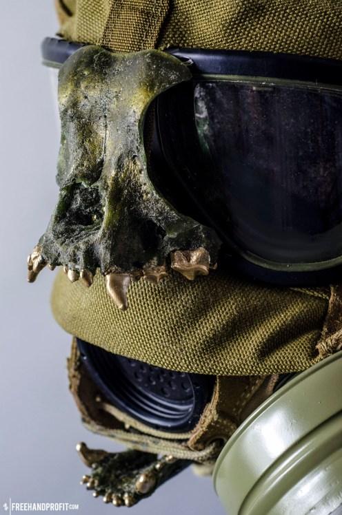 WEB 050 USMC Combat Book Gas Mask 03