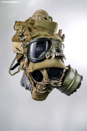 WEB 050 USMC Combat Book Gas Mask 05