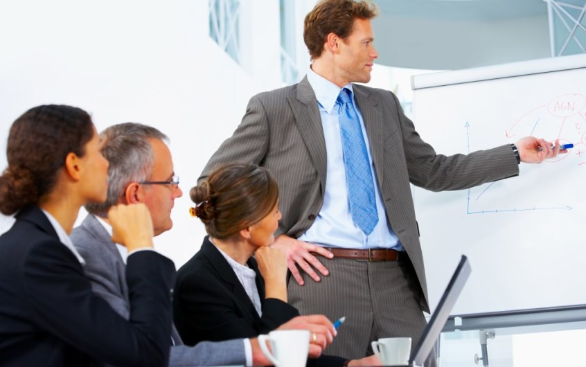 Responsibilities of a sales manager