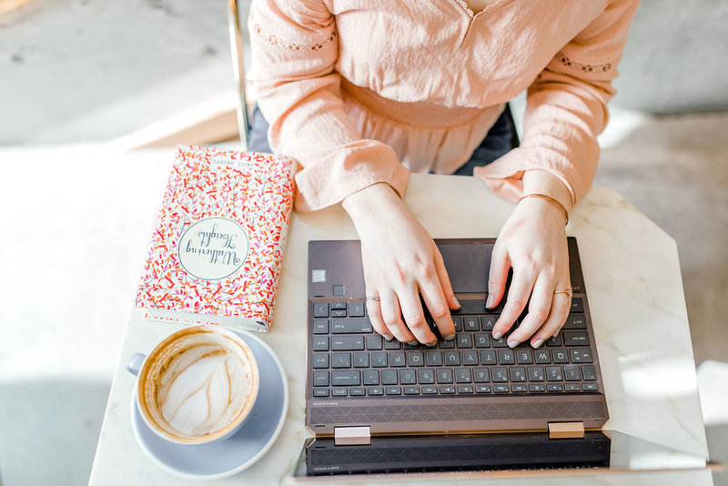 Kayla-Dean-Website-Copywriter-For-Creative-Entrepreneurs-Drinking-Coffee-With-Writers-8