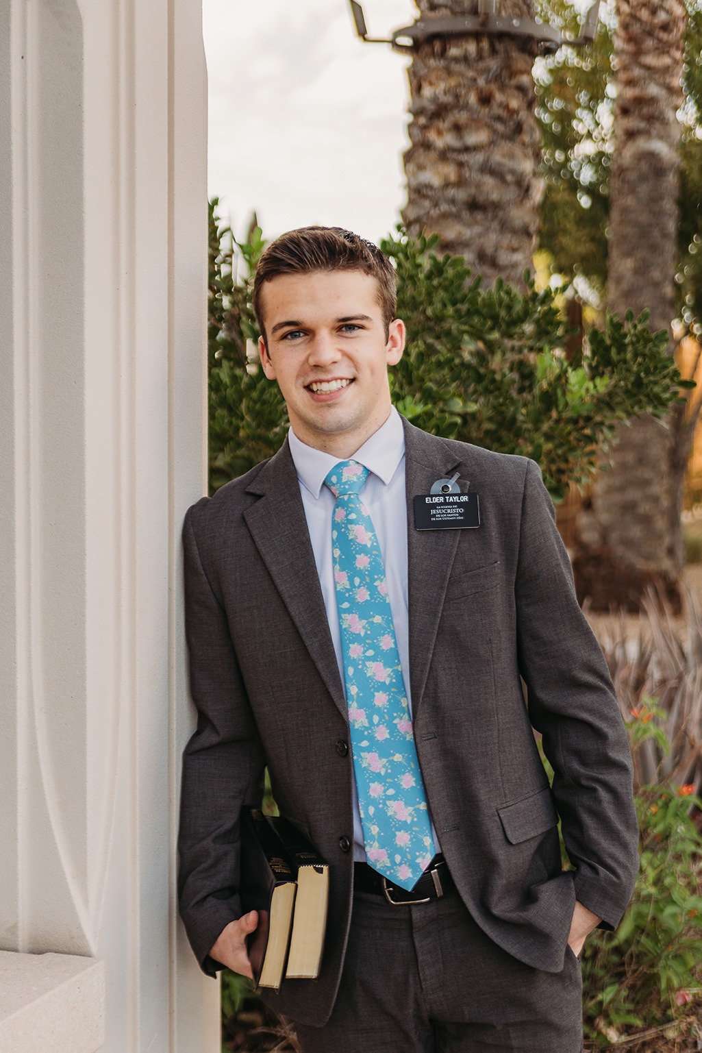 LDS missionary photoshoot at the gilbert az temple