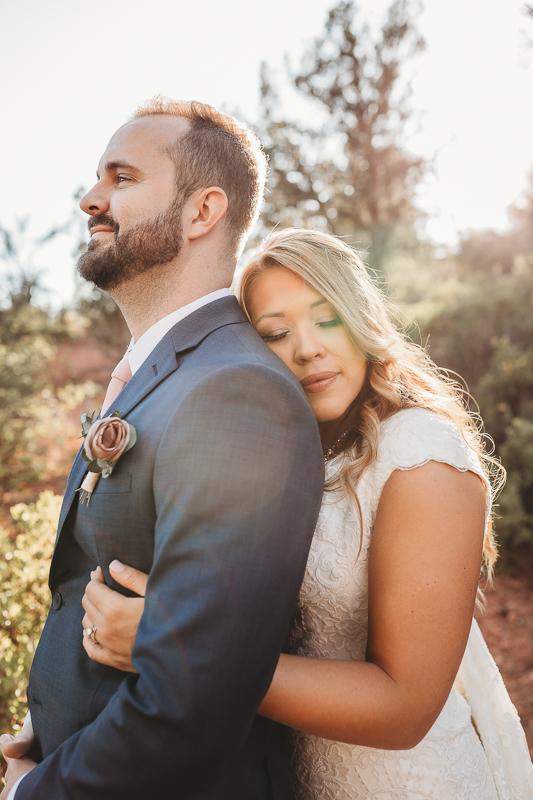 wedding bride and groom hugging in Sedona Arizona