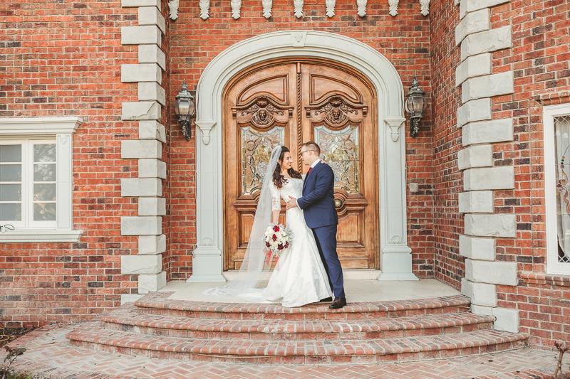 wedding photography bride and groom at Chateau de Vie Chandler Arizona
