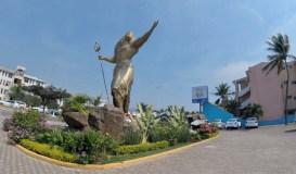 The gaudy statue outside Mariscos La Huerta in Manzanillo