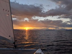 Underway at sunrise from Punta San Telmo