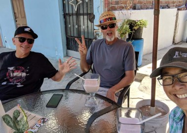 Morning with Monte at El Ring - best smoothies in La Cruz