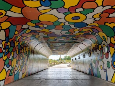 And tunnel art