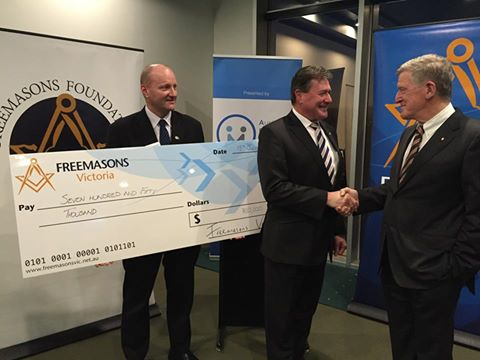 Freemasons Victoria $750,000 to the Australian Prostate Cancer Research Centre