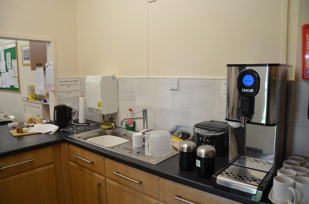Kitchen Sink Club Penguin