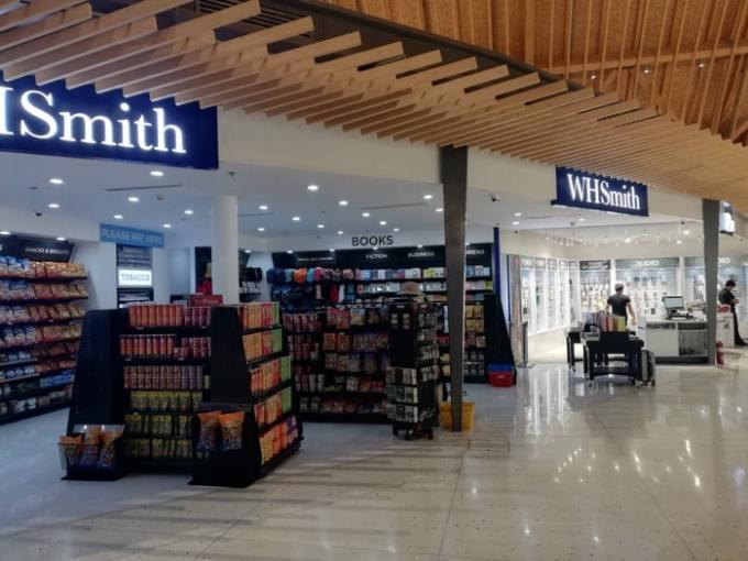 マクタン空港新ターミナル:コンビニ・ガジェット